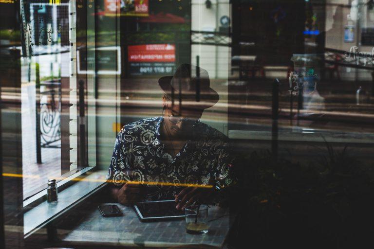 Een pleidooi voor een thuiswerkdag (en hoe je die efficiënt inricht)