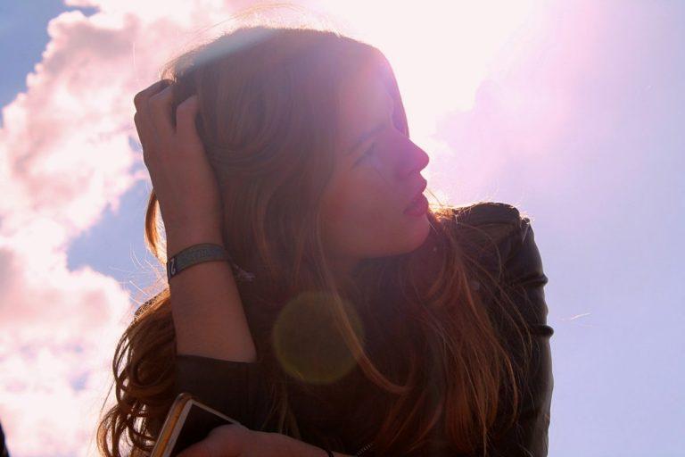4 vragen die negatieve gedachten eens goed onder de loep nemen