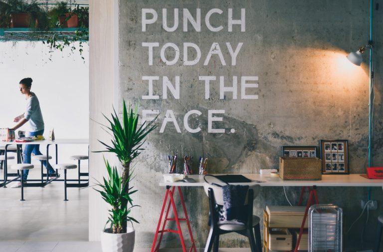 Hoe een fight-or-flight-reactie letterlijk zorgt dat je een stressvolle kantoordag overleeft
